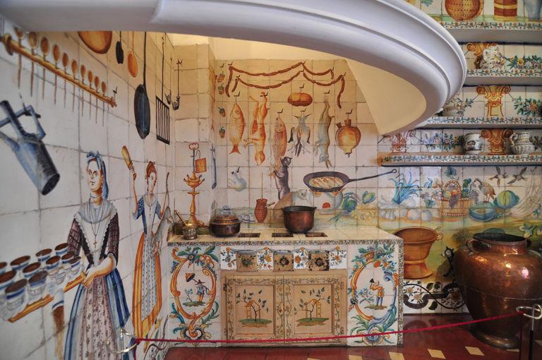 Adornos cer micos le famose ceramiche decorative di for Casa de azulejos en valencia
