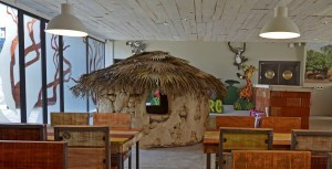 BIOPARC-Café-cabaña-y-zona-de-niños-web-300x153