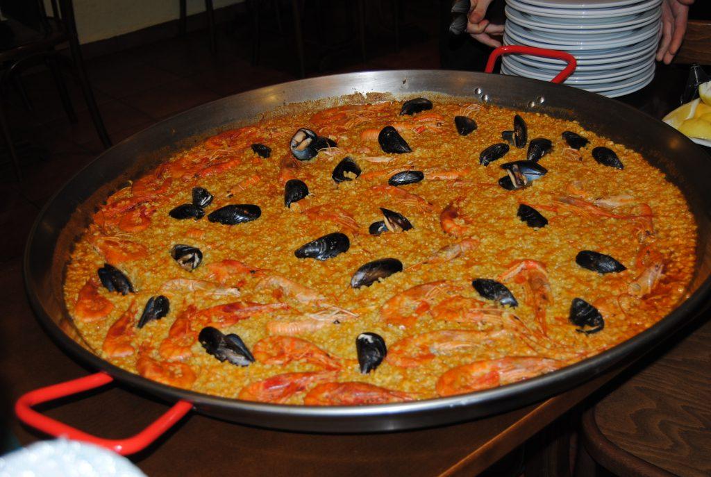 Lavorare a Valencia: 3 settori con più offerta di lavoro per italiani, paella valenciana